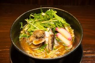 竹中缶詰のオイルサーディンが市内のお店でも出ています。